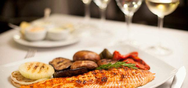 Conheça a sofisticação do Fervor Brasas de Campo y Mar restaurante localizado na Recoleta e um dos vencedores do Travellers' Choice 2014 do TripAdvisor