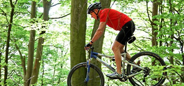 Explore trilhas de bike! Um dos passeios em Brotas mais surpreendentes