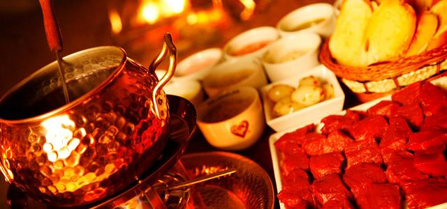 Aprecie os sabores de um restaurante de fondue