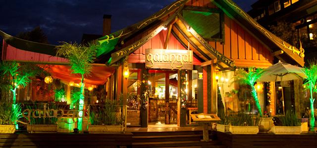 O Galangal é um dos destaques da nossa lista de restaurantes em Canela. Apresenta excelente culinária asiática e oferece ambiente confortável