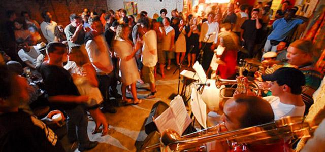 Ó do Borogodó, em Pinheiros reúne o melhor do samba. Conheça essa e mais dicas de baladas em São Paulo
