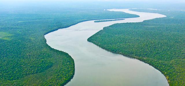 Encontro do Rio Negro com o Rio Solimões - Pontos turísticos do Brasil