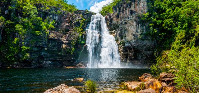 Cachoeira na Chapada dos Veadeiros - Pontos turísticos do Brasil