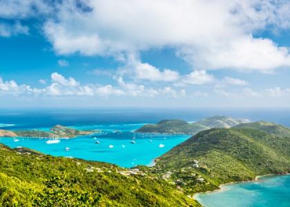 As 13 Mais Fascinantes Praias do Caribe
