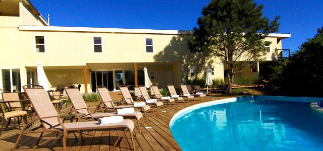 Aproveitar a piscina no La Viuda de José Ignacio