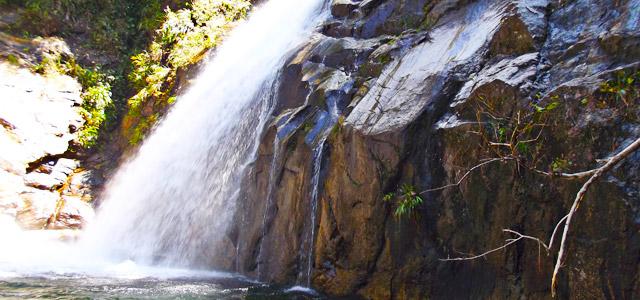 Cachoeira de Cambury - Villa Manakás