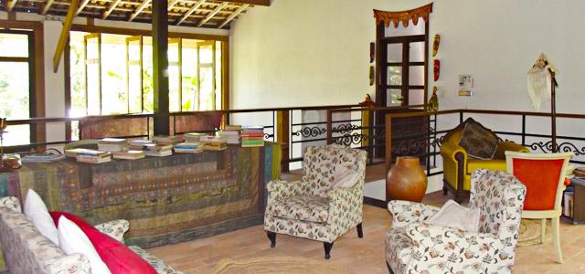 Os móveis transmitem uma atmosfera mais aconchegante..