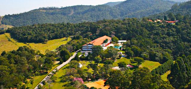 O Eldorado Atibaia Eco Resort está próximo à capital