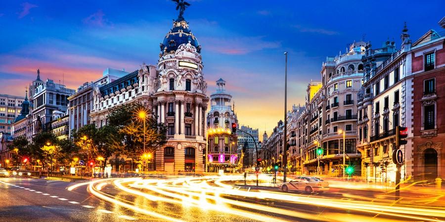 Madri: Faça Seu Roteiro Pelo Coração da Espanha!