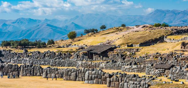 A muralha de Sacsayhuaman, no Peru