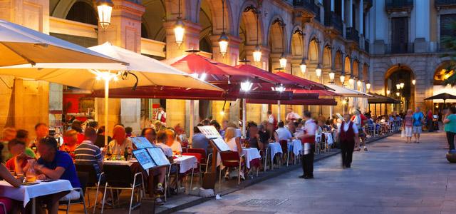 Tranquilidade e beleza pelas ruas da cidade de Barcelona