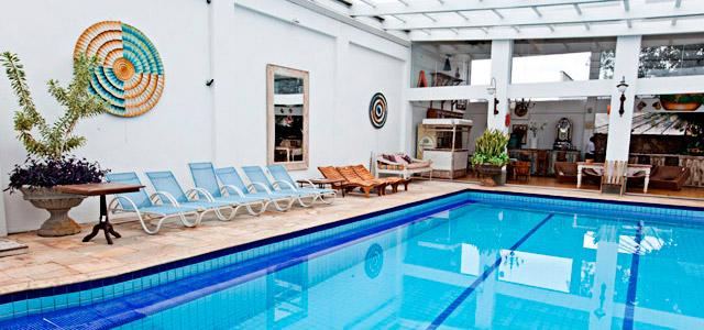 Até com o tempo fechado será possivel pegar uma piscininha na Pousada Pequena Tiradentes