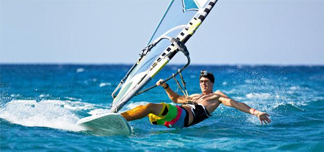 As poucas e calmas praias de Igarassú: Windsurf