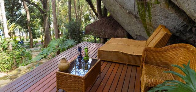 Aproveite uma massagem deliciosa no Refúgio Cheiro de Mato e ainda curta uma vista maravilhosa!