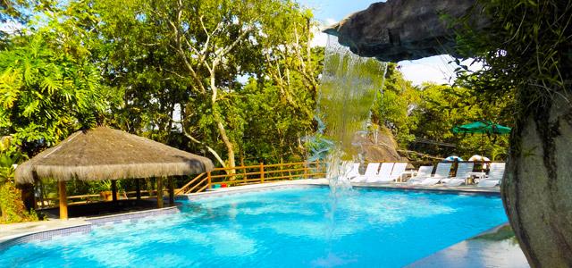 O Refúgio Cheiro de Mato conta com uma linda piscina