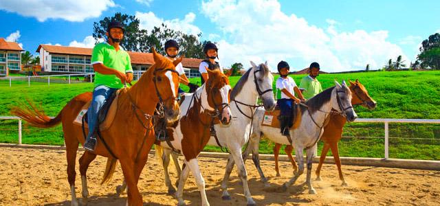 Cavalgada e clima de fazenda - Hotel Fazenda em Pernambuco