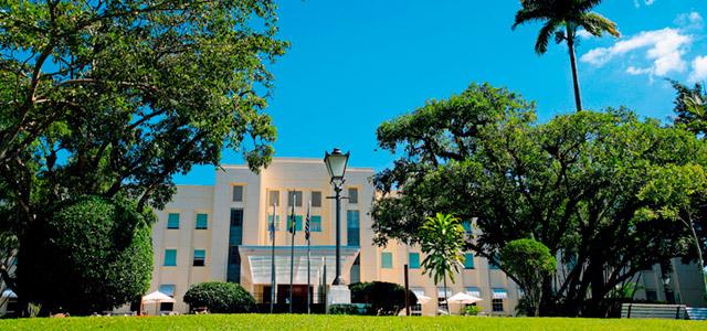 Arquitetura inspirada no estilo Art Decó do Grande Hotel São Pedro