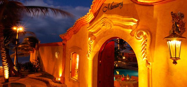 Arquitetura colonial do Manary Praia Hotel