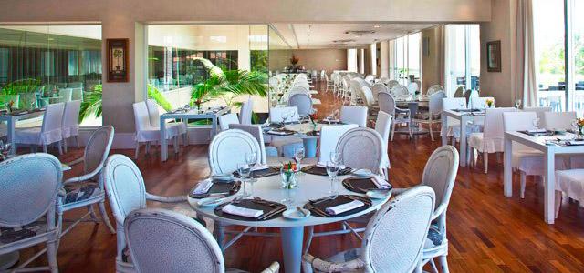 O seu hotel no Guarujá está no Zarpo!
