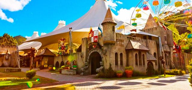 Atenção foliões viajantes: sua trip para o Carnaval 2016 está no Zarpo!
