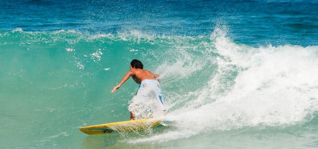 Curta o calor aproveitando as belas praias de Recife