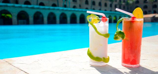 drink-Coliseum-Beach-Resort-zarpo-magazine