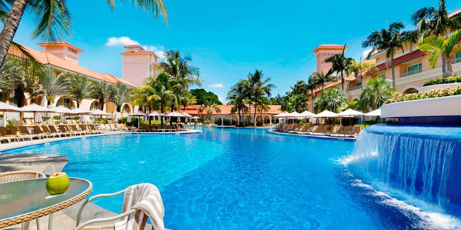 Um refúgio de luxo logo ali, no Royal Palm Plaza Resort!