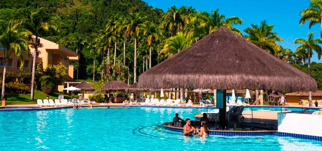 bar-piscina-Vila-Gale-Eco-Resort-de-Angra-zarpo-magazine