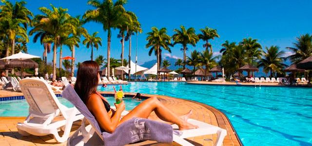 drink-piscin-Vila-Gale-Eco-Resort-de-Angra-zarpo-magazine
