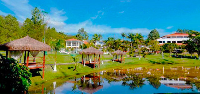 vista-lago-Vale-Suico-Resort-zarpo-magazine