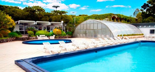 piscina-Laje-de-Pedra-Mountain-Village-zarpo-magazine
