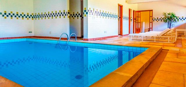 piscina-aquecida-Saint-Michel-Hotelzarpo-magazine
