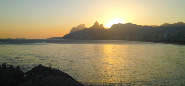 pedra-do-arpoador-ipanema-zarpo-magazine