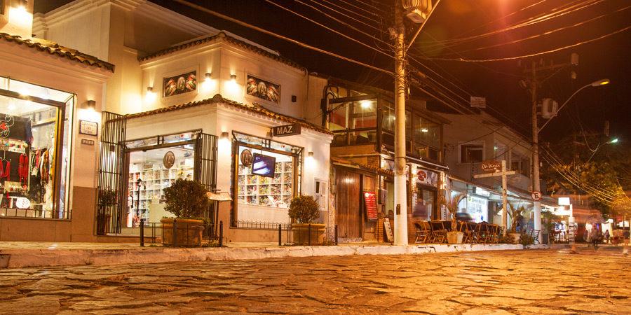 Rua das Pedras: Gastronomia, Agito e Muito Charme em Búzios!