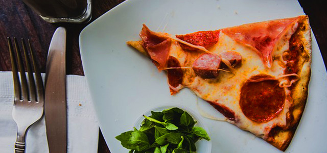 pizza-prato-manjericao