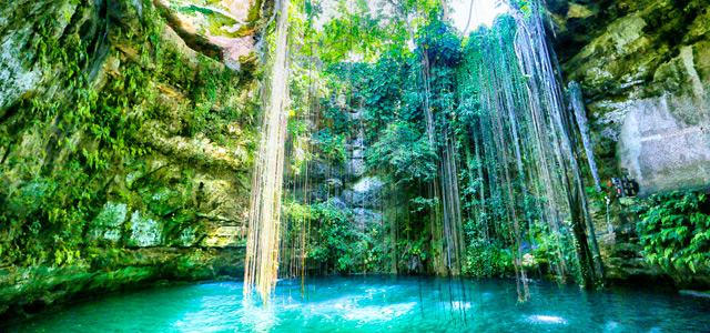 Cenote na Riviera Maya