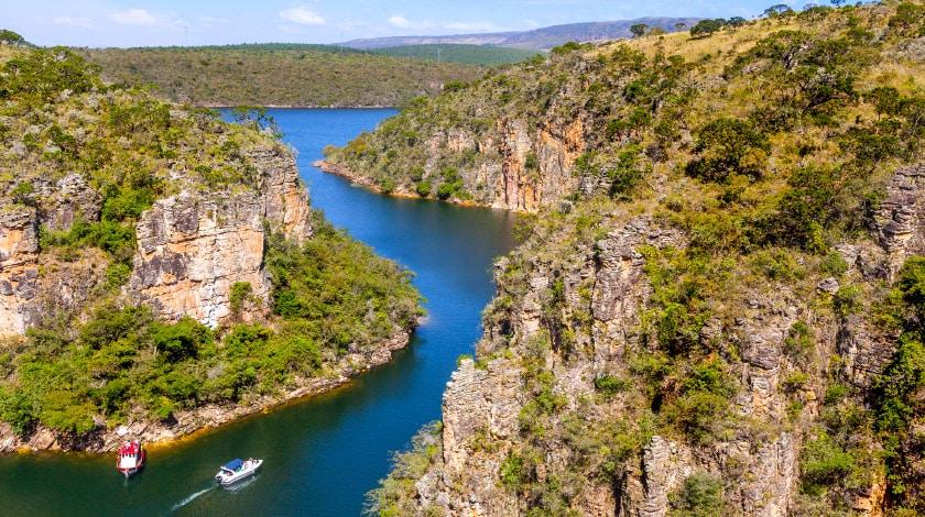 Mirante dos Cânions e o Lago de Furnas, em Capitólio, Minas Gerais