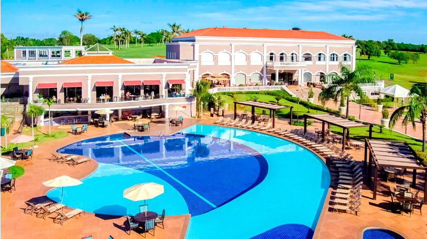 Foto da piscina do Wish Foz do Iguaçu