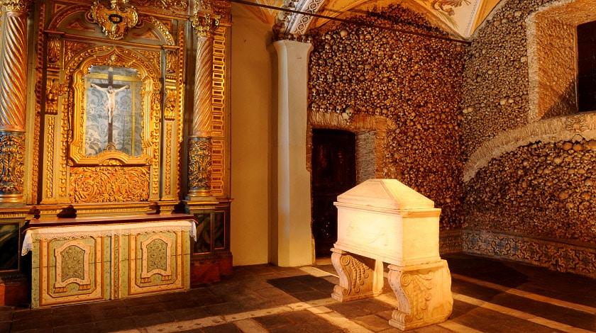Capela dos Ossos - Portugal