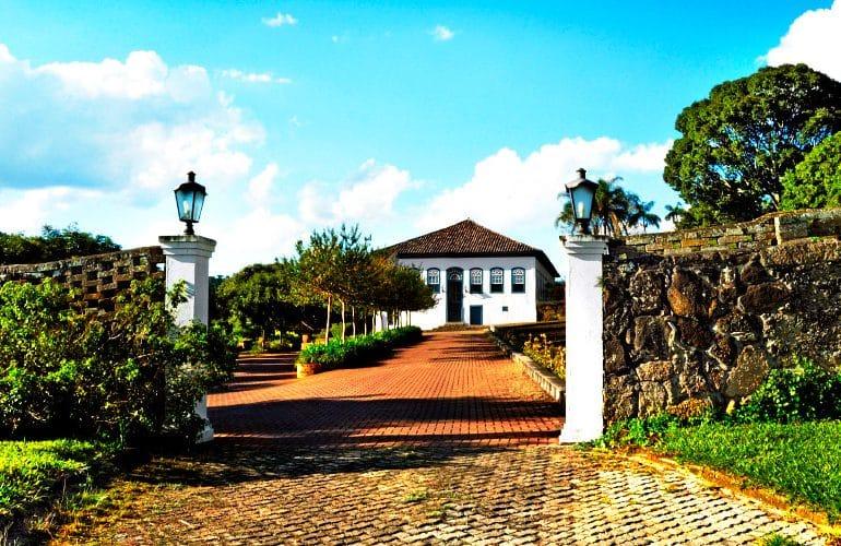 Fazenda Dona Carolina fascinante hotel histórico no interior paulista