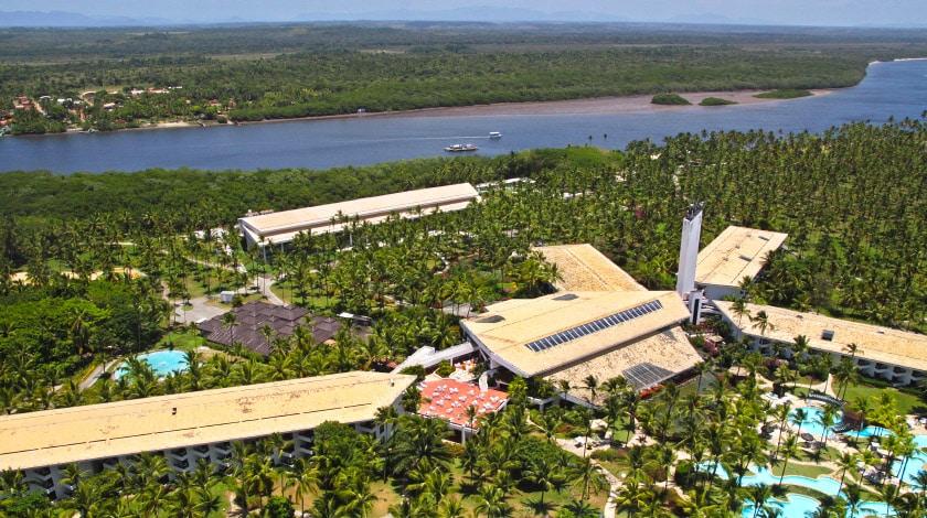 Vista aérea do Transamerica Comandatuba, resort All-Inclusive da Bahia