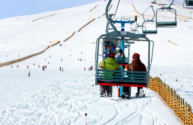 Neve na América do Sul: aventure-se nas estações de esqui da Argentina e do Chile