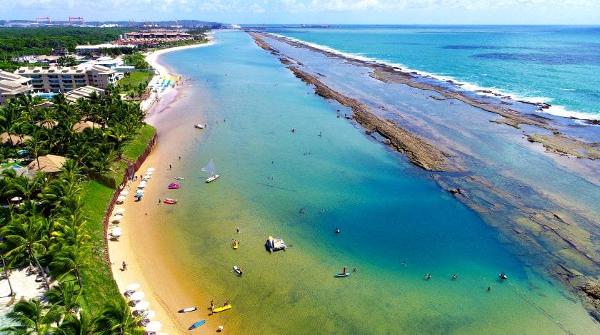 Vista aérea da Praia de Muro Alto, em Porto de Galinhas