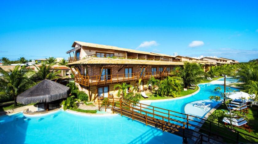 Área da piscina do Praia Bonita Resort, entre as ofertas da Pré-Black