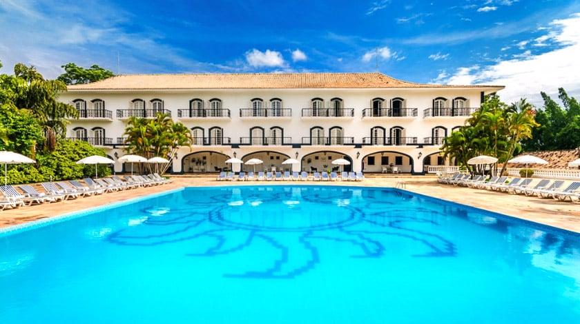 Área da piscina do San Raphael Country Hotel - hotéis fazenda em SP