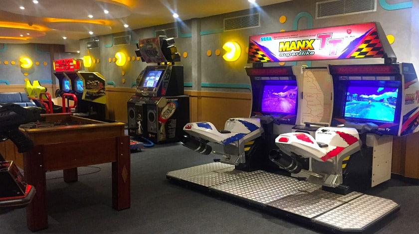 Sala de jogos do Blue Tree Thermas, em Lins