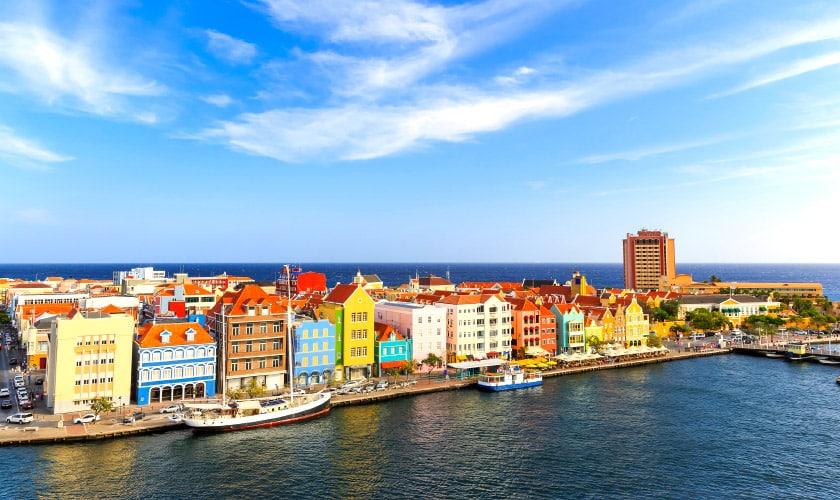 O que fazer em Curaçao, a colorida ilha do Caribe   Zarpo Mag