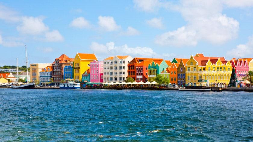 Casas coloridas de Willemstad, em  Curaçao