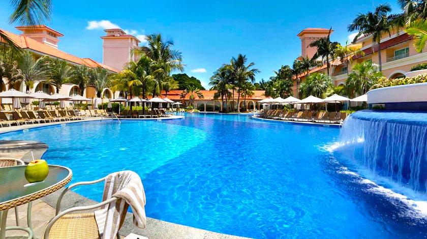 Piscina do Royal Palm Plaza Resort, em Campinas