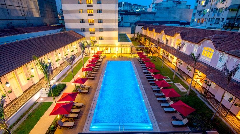 Vista da piscina do Vila Galé Rio, escolha para se hospedar em fevereiro